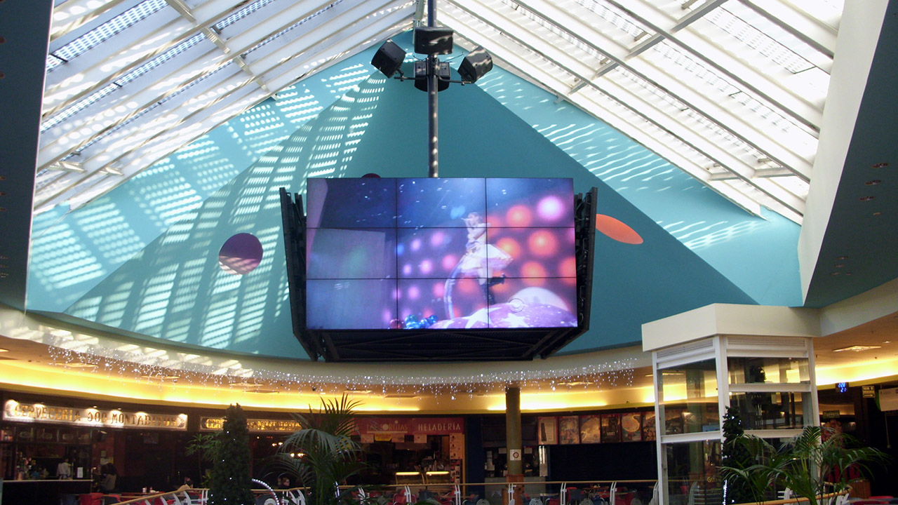 Smart Signage Solution for Shopping Mall