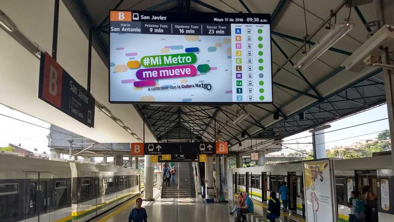 Sistema de cartelería digital en Metro Medellín